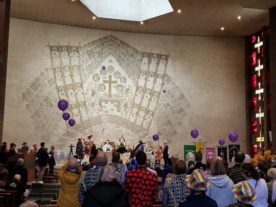 Carnavalsviering in de Heilig Kruiskerk