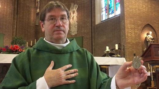 Het Mirakelteken is aangekomen in de Sint Martinuskerk