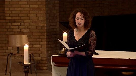 Wendy Roobol bezong Maria in Anders vieren