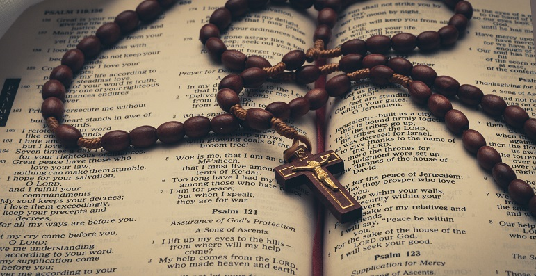 Gebedsviering Anders Vieren: Gebedssnoer maken