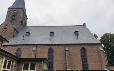 Nieuwe dak St. Josephkerk helemaal klaar